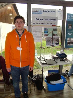 Tobias Metz (10b) bei der Präsentation seines Projekts