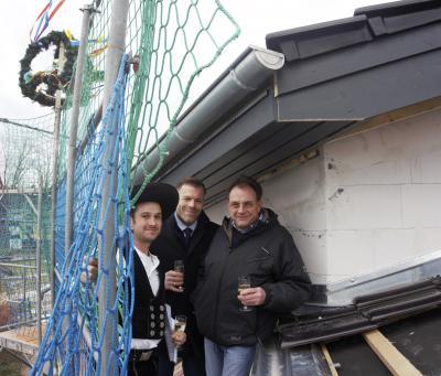 Quelle: Grünheide (Mark), von links nach rechts: Ricardo Kirchmann, Uwe Kleiner, Bürgermeister Arne Christiani