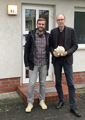 v.l. Ivo Haase, Thomas Frahn, der anlässlich seines 50. Geburtstags Spenden von 500 € sammelte