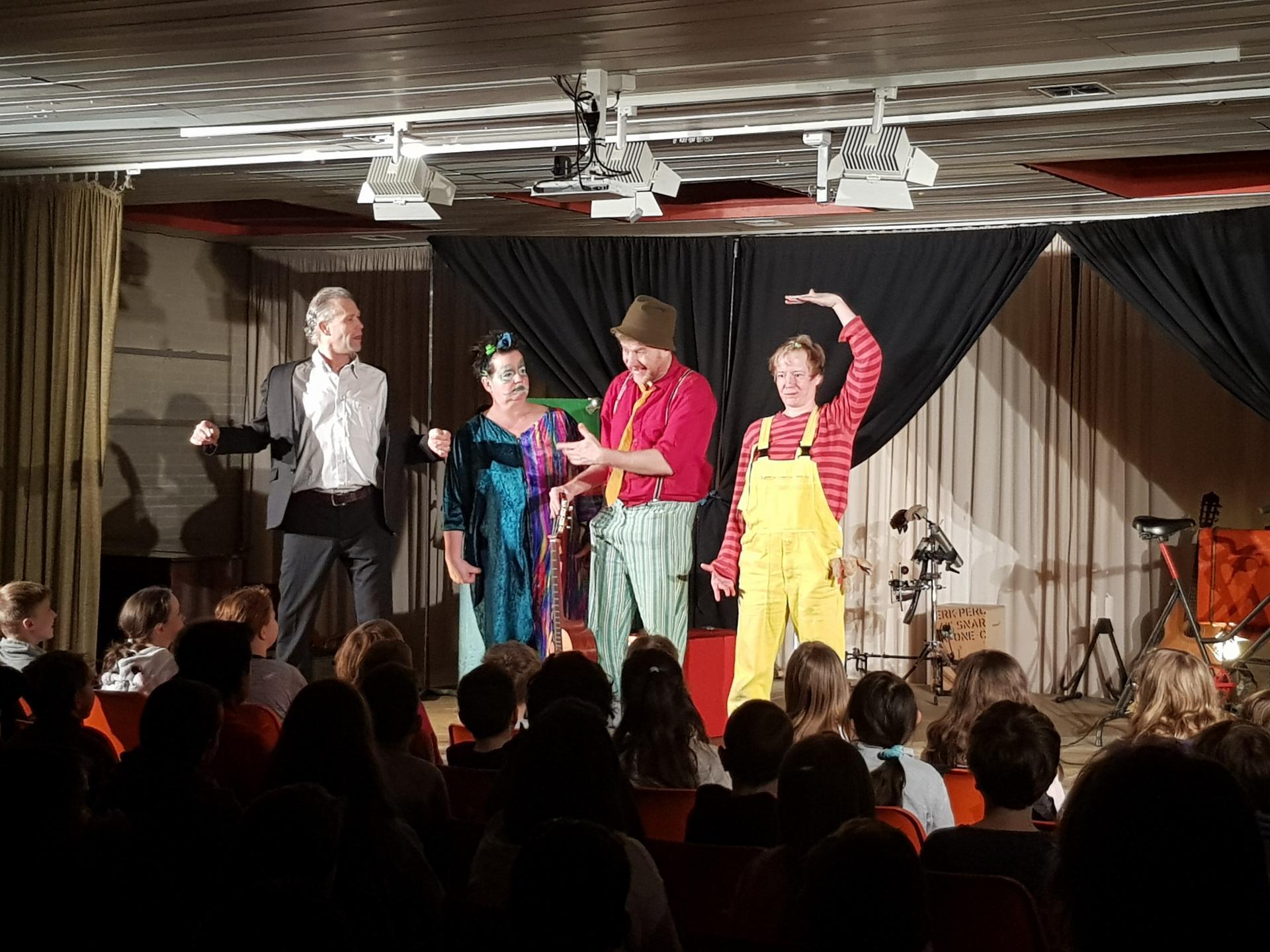 """Bild der Meldung: Aufführungen des Musiktheaters """"Hau ab du Angst!"""" waren erfolgreich!"""