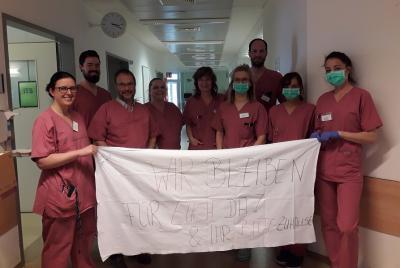 Foto zur Meldung: Klinikum Niederlausitz bittet: Bleibt zu Hause – wir bleiben für euch hier