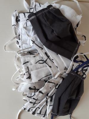 Foto zu Meldung: Masken mit speziellen Taschen