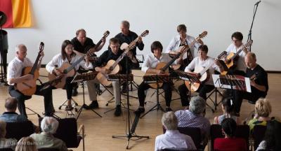 """""""Mosaic Guitars"""" beim Schuljahresabschlusskonzert 2019. Foto: Gerlind Bensler"""