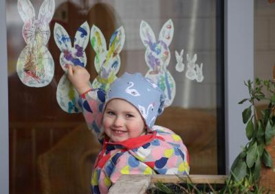 Foto zur Meldung: Hasenfenster hält Kita-Kinder zusammen