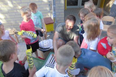 Vorschaubild zur Meldung: Bienenprojekt mit Herrn Glowe
