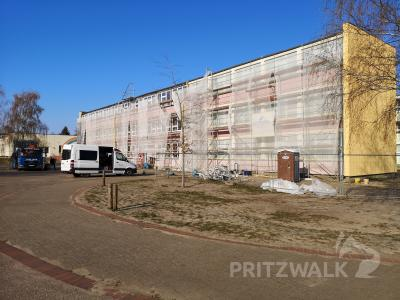 Foto zur Meldung: Jahnschule: Einbau der Fenster geht schneller als geplant