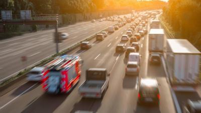 Vorschaubild zur Meldung: Gastartikel von bussgeldkatalog.net | Thema: Rettungsgasse