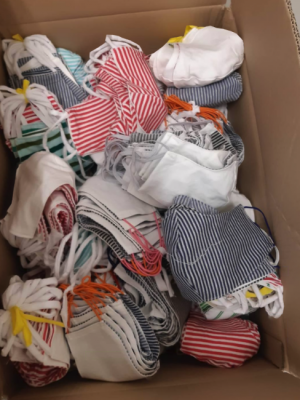 Foto zur Meldung: 450 Masken im Lehniner Rathaus abgegeben
