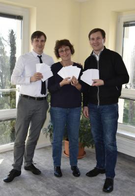 Foto zur Meldung: Ziehung der glücklichen Gewinner des Wissensquiz der AG