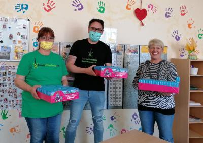 Foto zur Meldung: Foodsharing Groß-Gerau e.V. spendet 99 Playmobilfiguren an die Nauheimer Schulkindbetreuung
