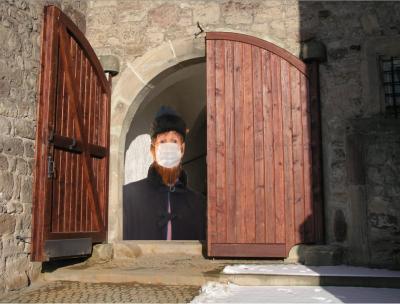Schleusingens Erstdrucker Hermann Hamsing trägt Maske