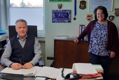 Bürgermeister G.Lang und M.Allmeroth-Aiken MGH