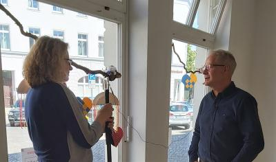 Foto zur Meldung: rbb dreht Videobeitrag über die Schaufensterdekoration in der Innenstadt!