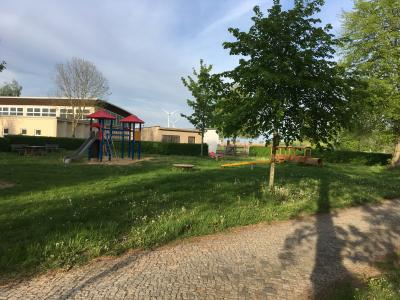 Vorschaubild zur Meldung: Spielplatz teilweise wieder geöffnet