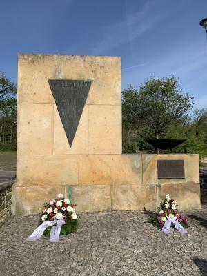 Vorschaubild zur Meldung: 75 Jahre Kriegsende, 75 Jahre Frieden: Kranzniederlegung in OSL