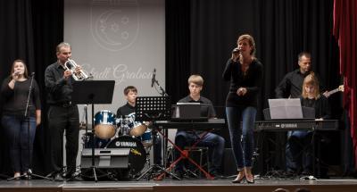 Auftritt der Band beim Abschlusskonzert der Musikschule in Grabow 2018. Foto: Gerlind Bensler