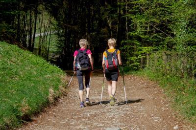 Vorschaubild zur Meldung: Nordic Walking geht wieder los.