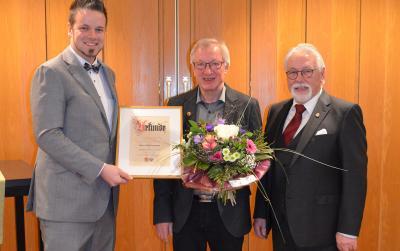 Bild der Meldung: Goldene Ehrennadel für Willi Haasmann!