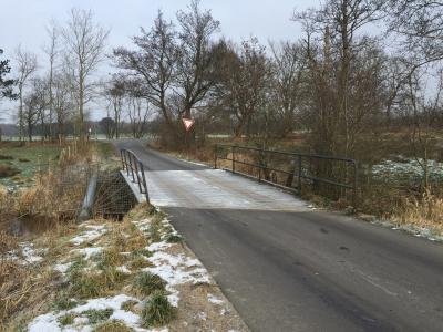 Foto zur Meldung: Meyn: Die Schwimmbad-Brücke wird saniert