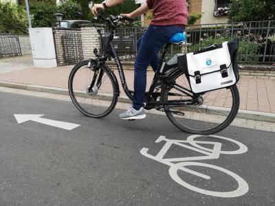 Radfahren hilft dem Klimaschutz. Die Stadt Maintal unterstützt deshalb im Rahmen ihrer Klimaschutzförderrichtlinie Energiesparmaßnahmen finanziell. Dazu gehört auch ein kostenloser Fahrrad-Check. Foto: Stadt Maintal