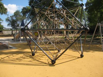 Spielgerät im Schlosspark Dahme/Mark