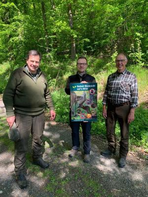 Von links: Johannes Raes (Jagdpächter), Thomas Eckhardt (Bürgermeister Stadt Sontra) und Hans Dannenberg (Jagdpächter)