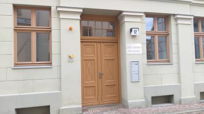 Stadt Perleberg   Eingang Gebäude Lotte Lehmann Akademie, Großer Markt 12, Perleberg