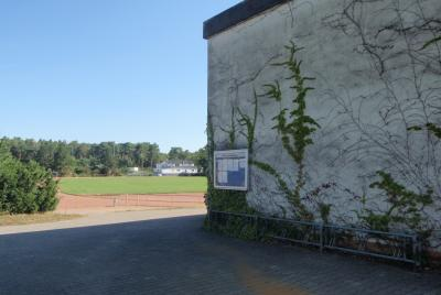 Der Nauheimer Sportpark (oben) sowie die Georg-Schad-Halle dürfen seit dem 18.05.2020 unter Auflagen wieder für den Trainingsbetrieb genutzt werden. © Gemeinde Nauheim