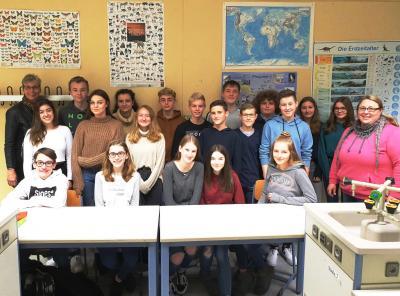 Foto zur Meldung: Ressourcenschonung am Clara-Schumann-Gymnasium: Klasse 9a richtet Vorschläge an die Verwaltung