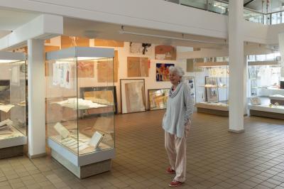 """Vorschaubild zur Meldung: Sonderausstellung """"Rosa Reichenbach - Kunst im Rückblick"""" im Glasmuseum Immenhausen bis 12. Juli 2020 verlängert"""