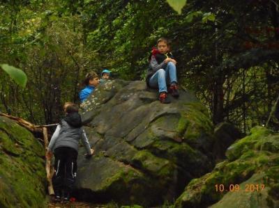 Vorschaubild zur Meldung: Kinderaktionstage 2020 (6.07 - 9.07) der Gemeinde Willingshausen (u.a. Wanderung zu den Wippersteinen)