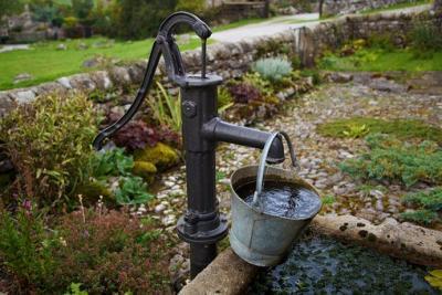Bild der Meldung: Wasserentnahme mit Pumpen aus Gewässern des Landkreises ab sofort untersagt - Allgemeinverfügung des Landkreises zum Schutz der Oberflächengewässer erlassen