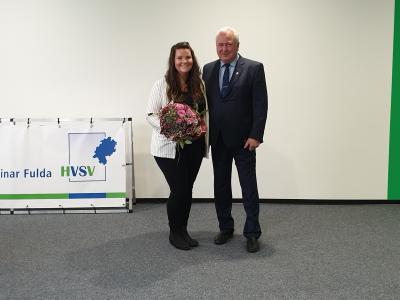 Bild der Meldung: Anja Birkel besteht Prüfung zur Verwaltungsfachwirtin