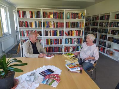 Foto zur Meldung: Wiedereröffnung der Bibliothek der Gemeinde Krayenberggemeinde in der Alten Schule, OT Merkers