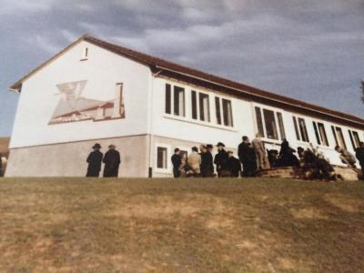 Vorschaubild zur Meldung: Parkplatz an der alten Grundschule Merzhausen / Verkauf des Schulgebäudes