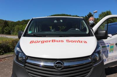 Ab dem 1. Juli werden wieder Linienfahrten des Sontraer Bürgerbusses im Stadtgebiet angeboten. Ralf-Siegbert Giesen engagiert sich als ehrenamtlicher Fahrer.