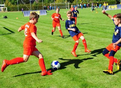 Foto zu Meldung: Fußballjunioren aufgepasst: Jetzt für den EWE Cup 2020/21 bewerben