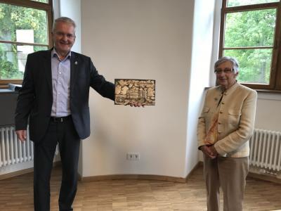 von links: Bürgermeister Andreas Weiher, Bertel Biehn