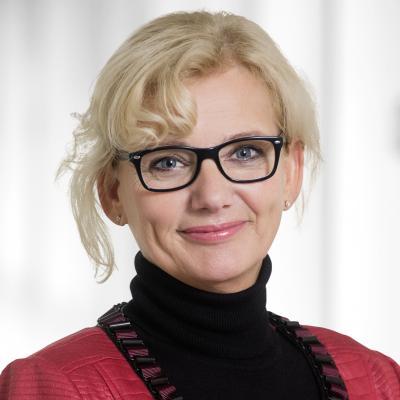 Sabine Schmalebach, Pflegedirektorin im KHDS sowie Vorsitzende der Kinderhilfe Okanona e. V.