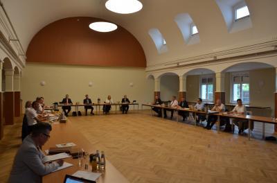 Foto zur Meldung: Informationsberatung der Hauptverwaltungsbeamten – Strukturentwicklung Schwerpunkthema in der ersten Präsenzsitzung in Hörlitz