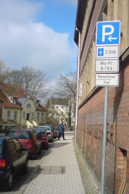 Stadt Perleberg | Parkplätze in der Karl-Marx-Straße