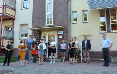 Foto zur Meldung: Auf ein Wiedersehen in der Musikschule Oberspreewald-Lausitz: Auszeichnungen im Jahresabschlusskonzert vergeben