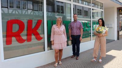Von links: Patricia Vella (Pflegedienstleitung), Thomas Eckhardt (Bürgermeister Stadt Sontra) und Julia Schäffer (Übergeordnete Teamleitung)