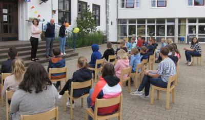 Vorschaubild zur Meldung: Museumsverein Dahlenburg verabschiedet Vierklässler