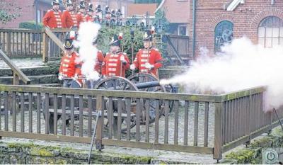 Mit Kanonenschüssen ins Jubiläumsjahr