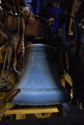 erste Glocke auf dem Zwischenboden