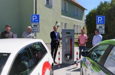 Foto zur Meldung: Neue Ladesäule für Elektroautos in Dormitz- Ausbau der Ladeinfrastruktur in Nordbayern
