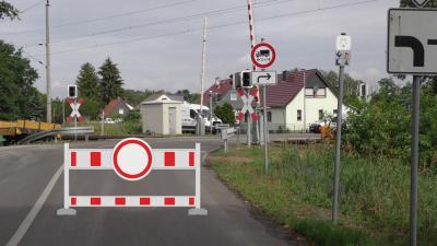 Foto zur Meldung: Vollsperrung Bahnübergang Elsterwerdaer Straße
