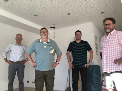 von links Bürgermeister Andreas Weiher, 1. Vorsitzender Sigmar Obermann, Erster Stadtrat Oliver Peetz, Ortsbeiratsmitglied Frank Berneburg