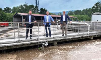 von links Bürgermeister Fabian Fehl, Bürgermeister Andreas Weiher, Geschäftsführer Bernd Mai
